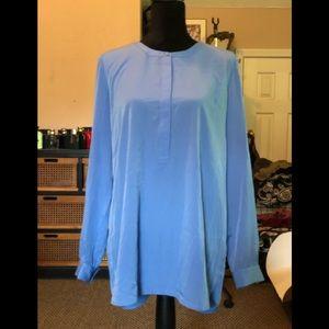 Brand new NYDJ 3/4 sleeve pleat back blue blouse